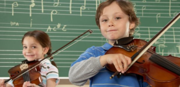 kids with violins, music lesson