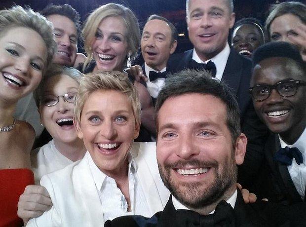 Ellen DeGeneres celebrity group shot at the Oscars
