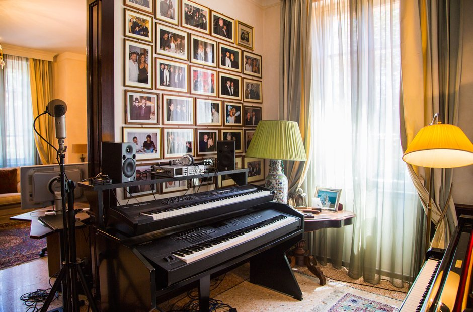 The longest piano in the world andrea bocelli exclusive Longest house in the world