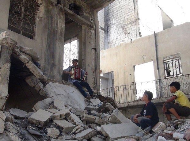 Music in war-torn Damascus